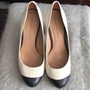 Banana Republic ivory and black shoes